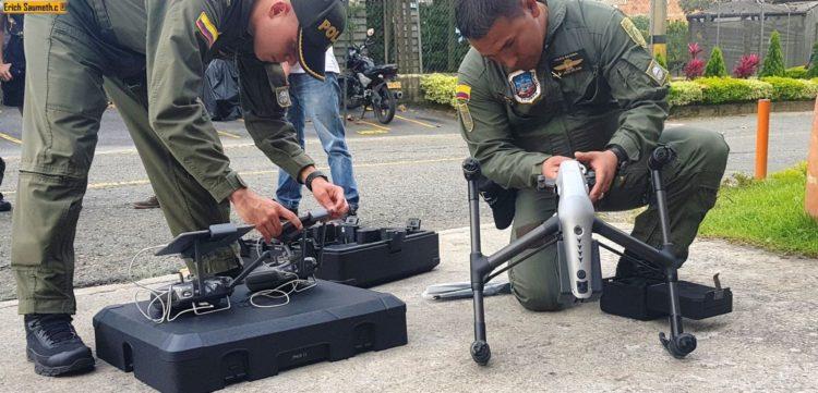 Policía de Barranquilla patrulla el vecindario con drones