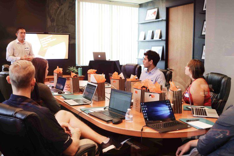 Tres startups chilenas lograron levantar capital en plena crisis y comparten sus secretos: un equipo consolidado, orden y perseverancia.