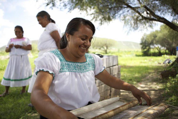 Fundación Coca-Cola México y Pro Mujer se unen para implementar apoyo económico y educativo integral para miles de mujeres empresarias