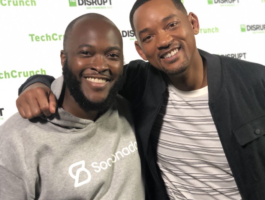 Así logró este emprendedor que Will Smith invierta en solo 40 segundos