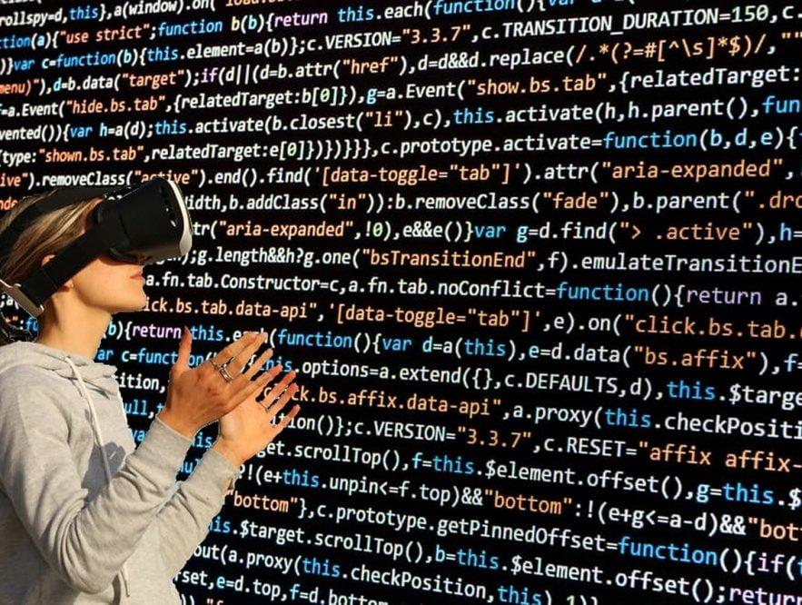 Laboratoria abre su convocatoria para formar desarrolladoras web